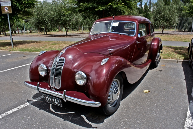 The Bristol 400 British Motorcar