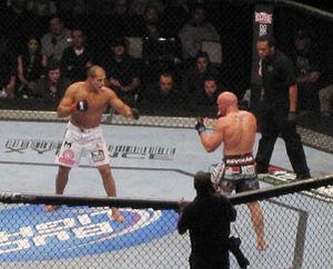 MMA UFC 131 Carwin vs. JDS
