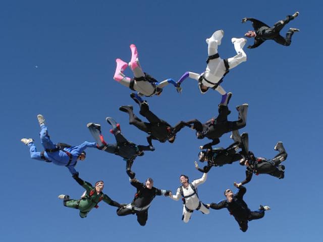 Skydiving 12 way