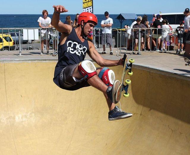 Bowl Skateboarding
