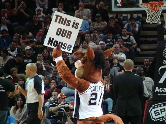 Spurs Coyote Mascot