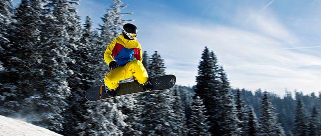 Snowboarding in Tannheim,_Austria