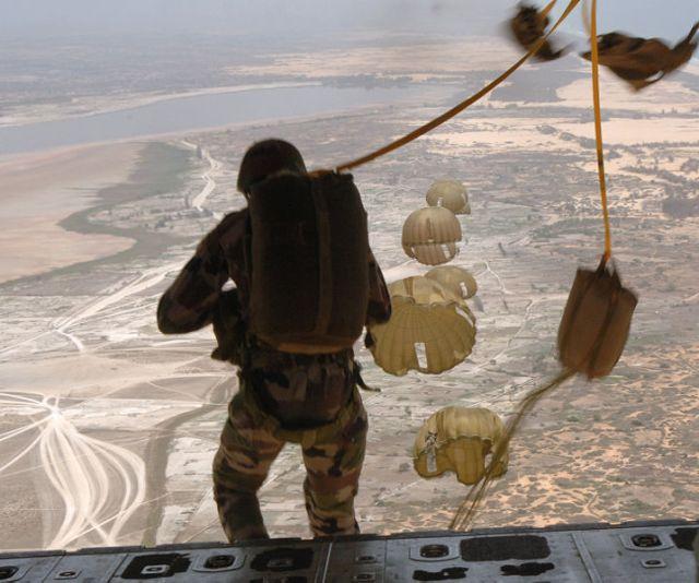 Senegal soldiers parachute jump