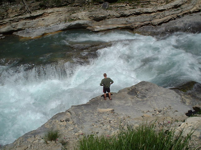 Whitewater_-_'triple_step'_on_the_river_Guil_in_French_Alps