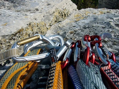 The Sports Archives Blog - The Sports Archives - 5 Must Have Tools For Rock Climbing