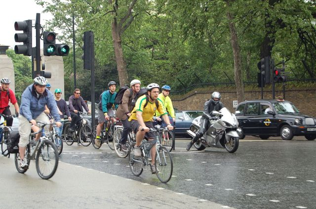 Cyclists at Hyde Park corner roundabout in London