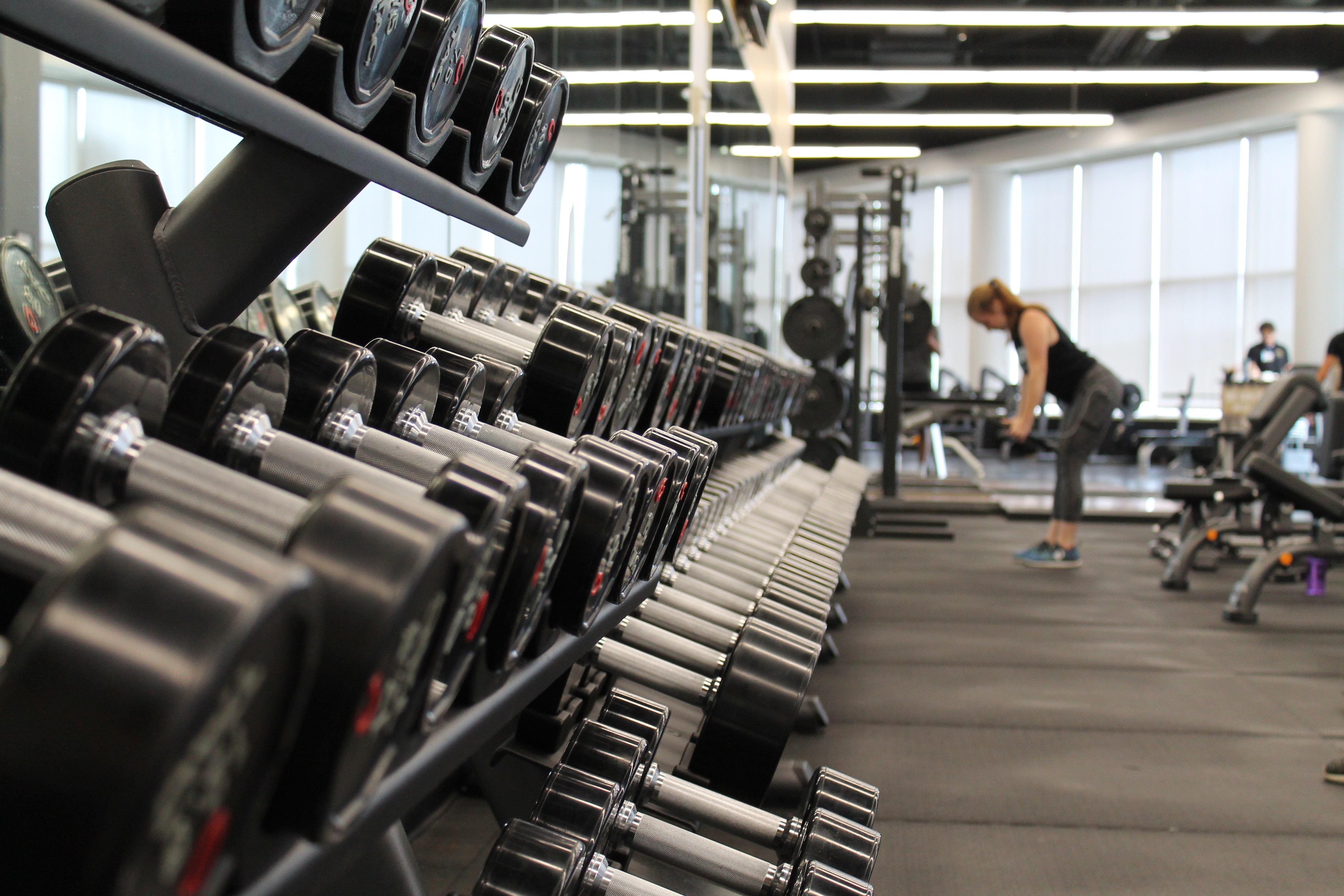 The Sports Archives Blog - The Sports Archives - In-Home vs. At-Gym Training: Pros and Cons