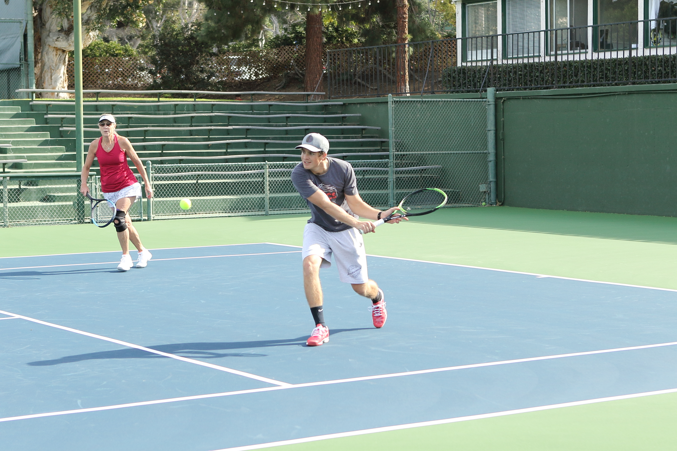 The Sports Archives Blog - The Sports Archives - Why Tennis is a Great Sport for General Exercise