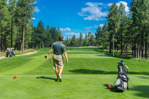 The Sports Archives Blog - The Sports Archives - Practical Tips For Playing Golf On A Budget